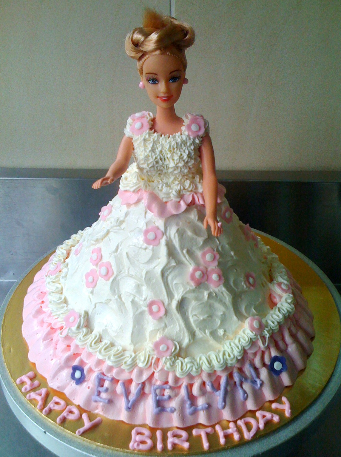 Birthday Cake Images Doll : By Jalia: Barbie Doll Cake for Evelyn