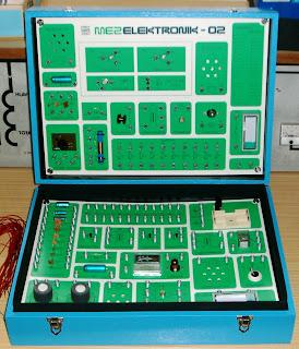MEZ Elektronik 01 a 02 - elektronická stavebnice
