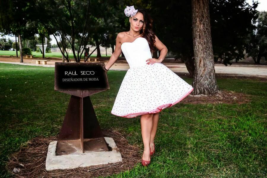 Es un modelo único y exclusivo que se puede personalizar a medida para que se adapte perfectamente a la novia que lo elija. Si tu boda es estilo vintage,