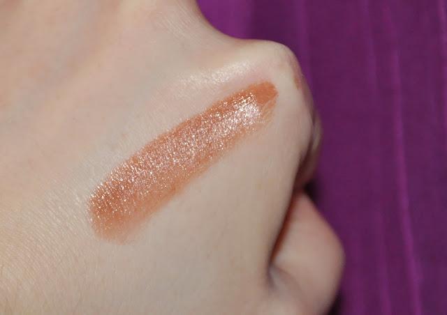 Ellis Faas Milky Lips L206