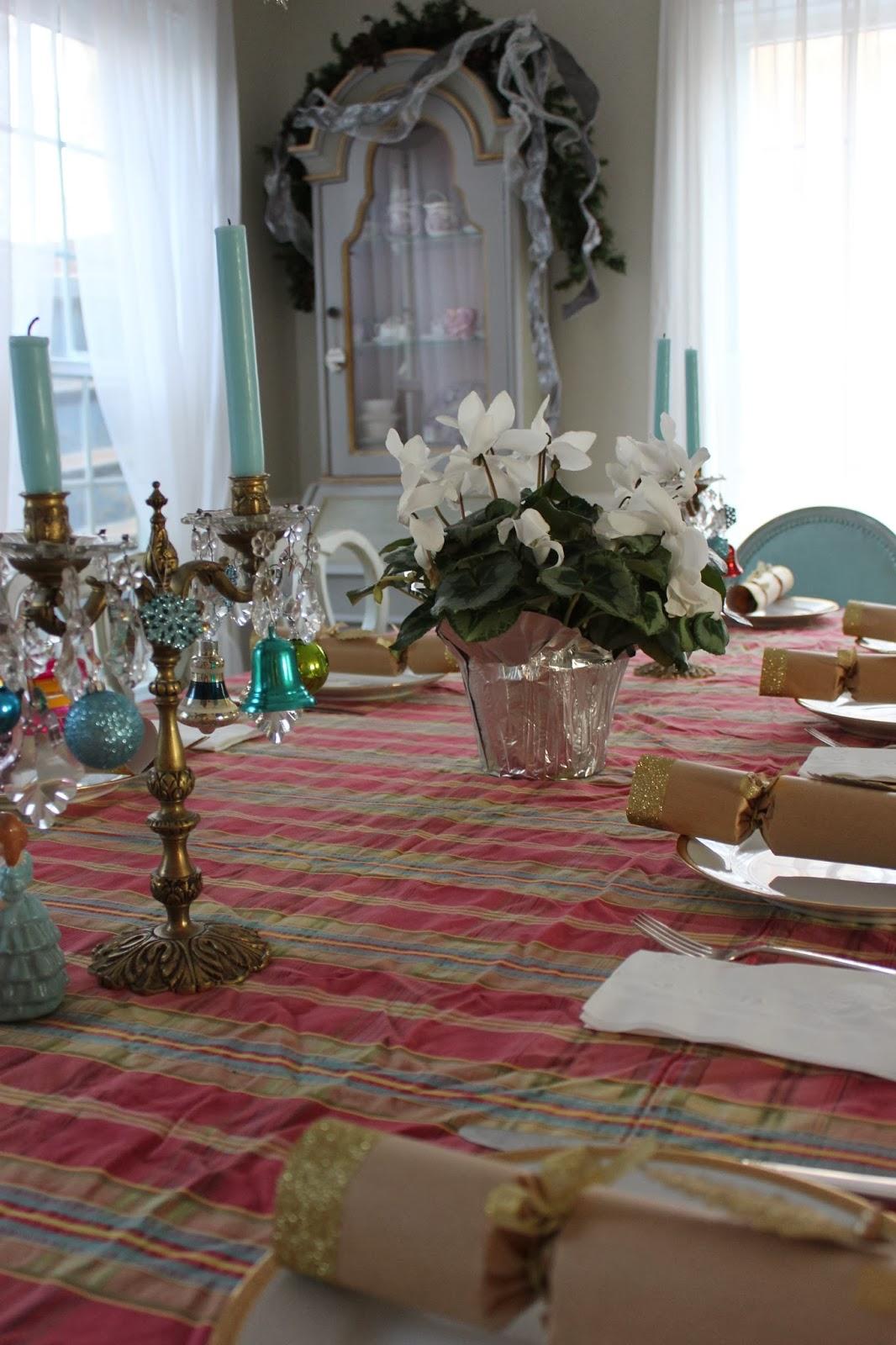 Maison Decor: Christmas Roundup