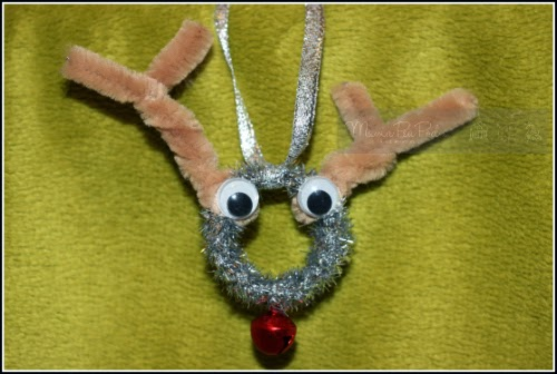 cute reindeer craft for kids from pipe cleaners and roll of tape