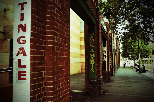 University Of Technology Sydney, Columns, Lomography Photoshop Effect applied