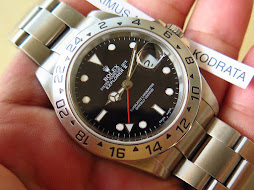 ROLEX EXPLORER II BLACK DIAL 40mm - ROLEX 16570 SERIE F YEAR 2005 - AUTOMATIC CAL 3185 - GOOD COND