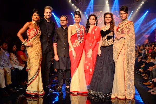 Parineeti Chopra walked on the ramp for Aks by Birdhichand Ghanshyamdas at IIJW 2014