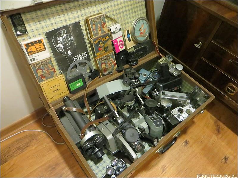 Старые фотоаппараты в музее фотографии Петербурга