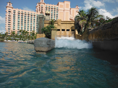 atlantis resort wave on lazy river
