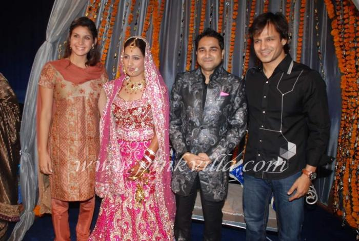 Wedding Pictures Of Bollywood Stars http://shadipic.blogspot.com/2011/09/bollywood-wedding-pictures.html