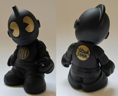 Singapore Toy, Game & Comic Convention Exclusive Kidrobot 10th Anniversary Mini 'Bot Vinyl Figure by Tristan Eaton