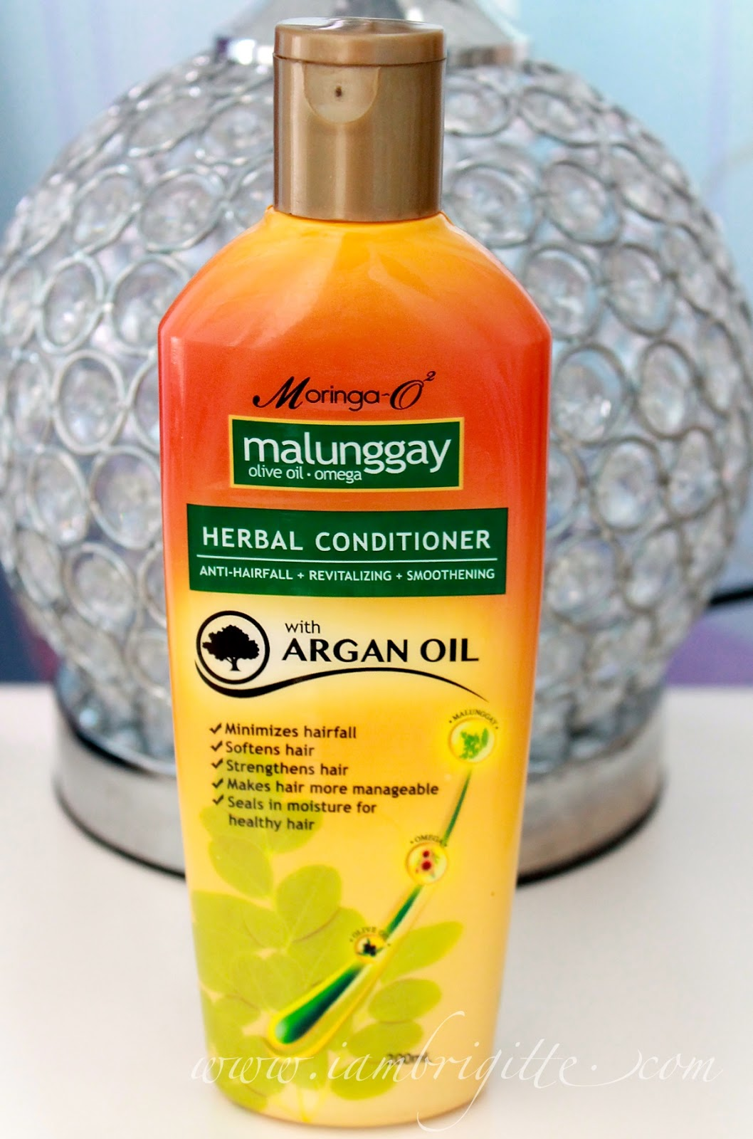 malunggay leaves as shampoo Malunggay for hair loss prevention  malunggay leaves  you can buy malunggay shampoo at any ricky reyes salon branches it comes with separate shampoo.