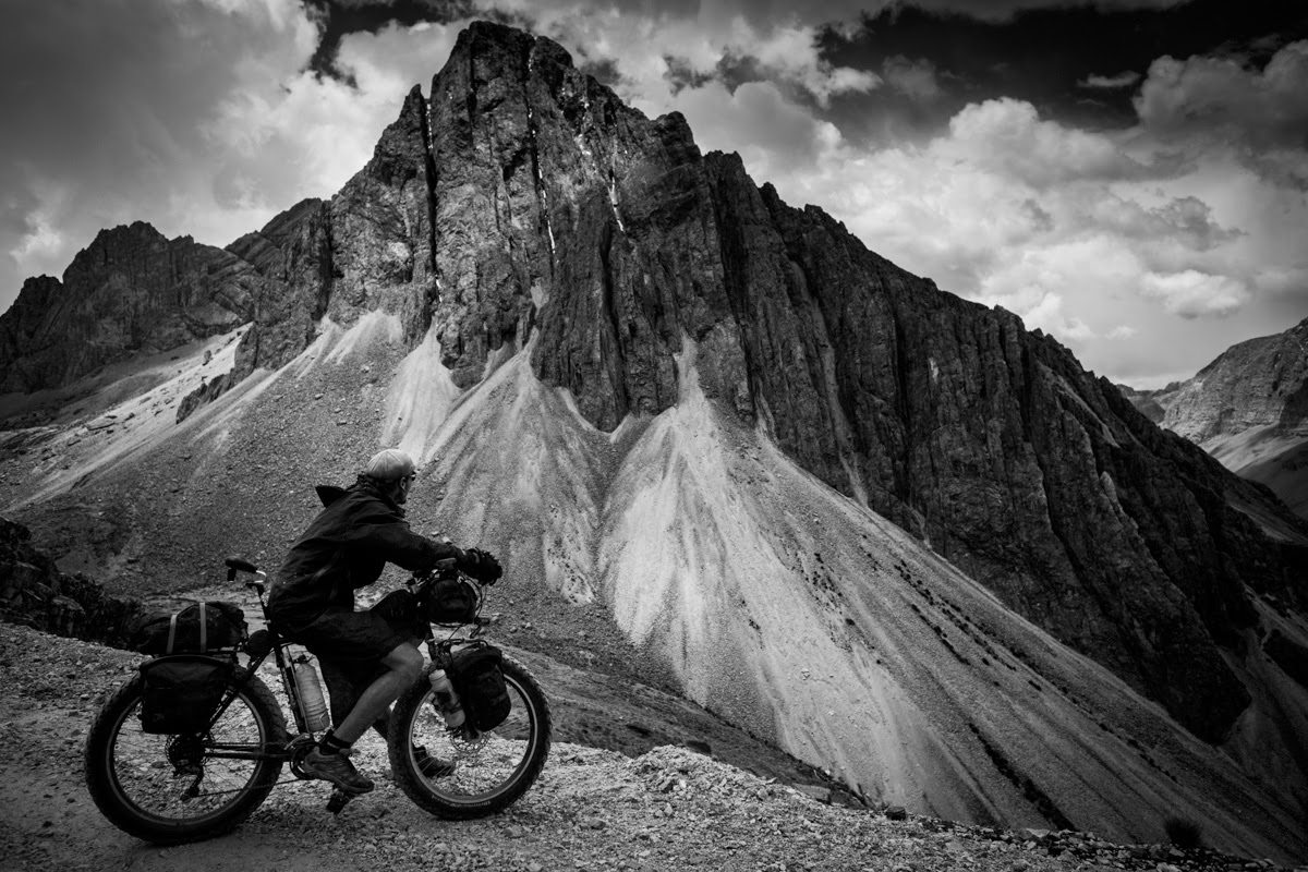 THIS BLOG IS A SMALL GLIMPSE INTO A BIKE RIDE AROUND THE WORLD