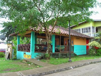 Fonda Adamilcar, Portobelo, Panamá, round the world, La vuelta al mundo de Asun y Ricardo, mundoporlibre.com