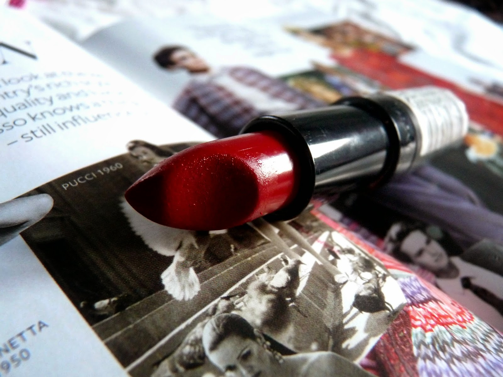 red lipstick beauty makeup rimmel london kate moss youwishyou
