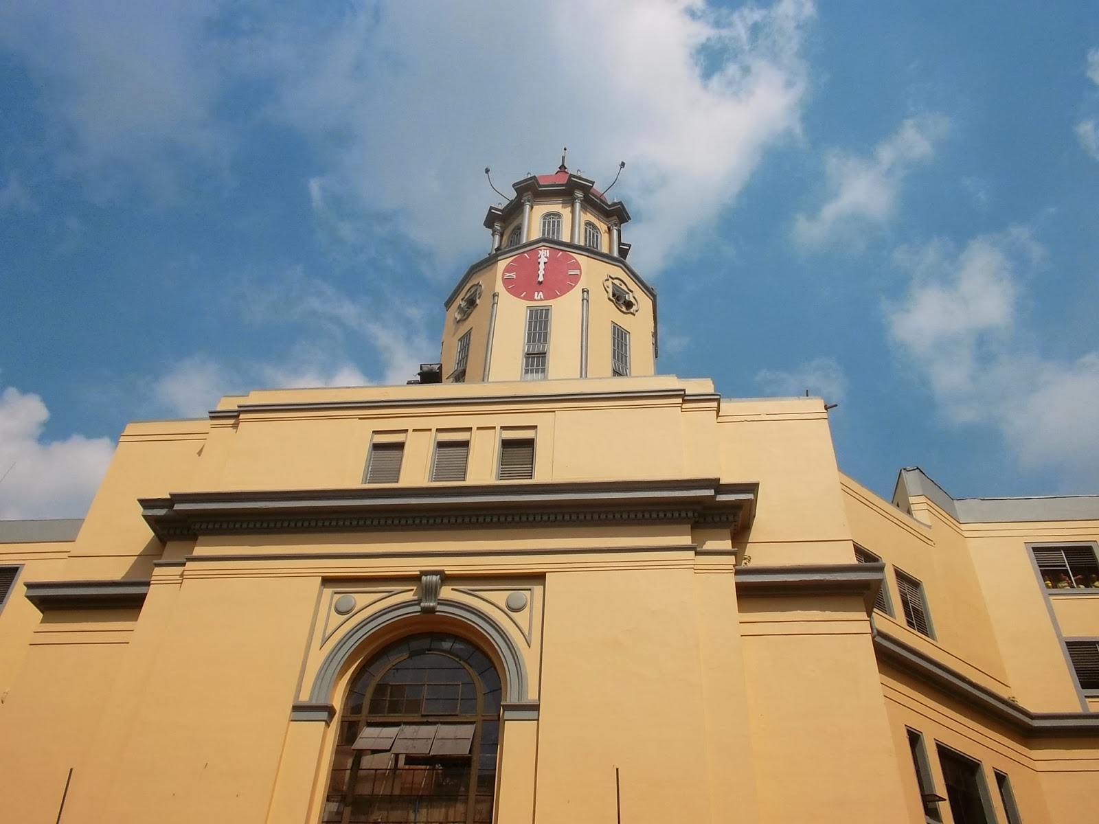 The clock tower of Manila City Hall | Source Image: http://kontedstories.blogspot.my