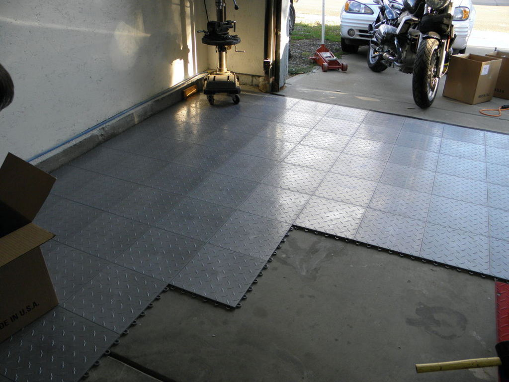 Interlocking garage floor tiles of the garage flooring Two floor garage