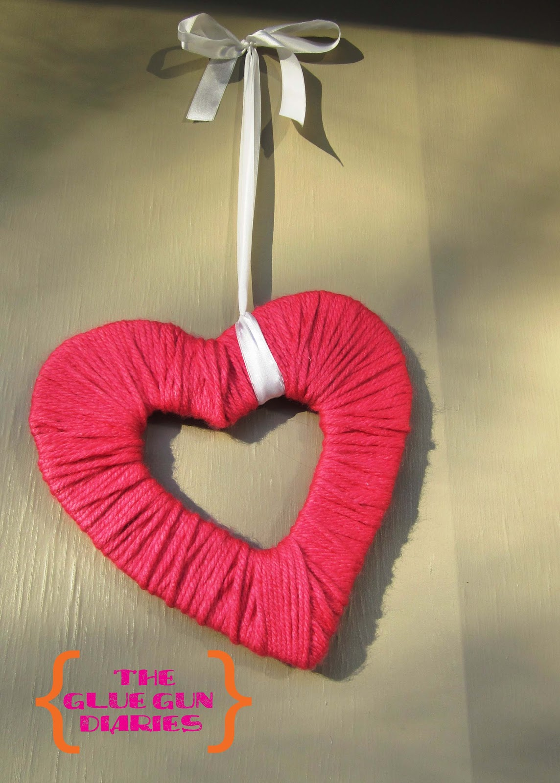 how to make a heart out of yarn