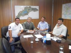 Discutindo parceria para 2014