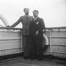 Il maresciallo Italo Balbo fotografato in compagnia di Manlio Morgagni