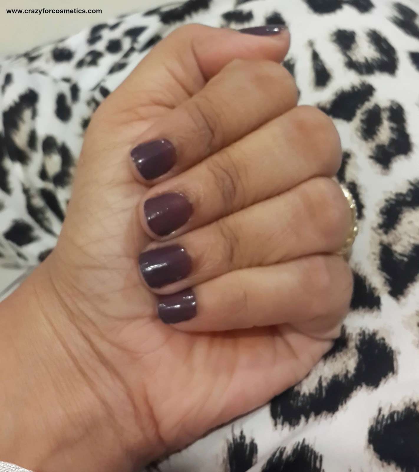 maybelline color show nail polish review-maybelline color show nail polish midnight taupe- maybelline color show midnight tAUPE-maybelline color show nail polish review india- maybelline color show nail polish India-