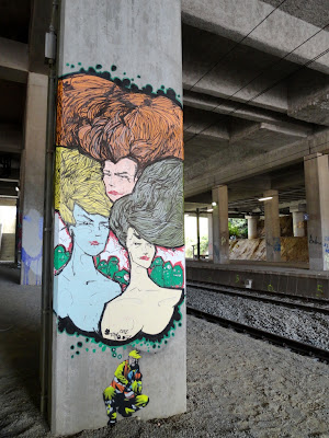 TAm OonZ graffiti