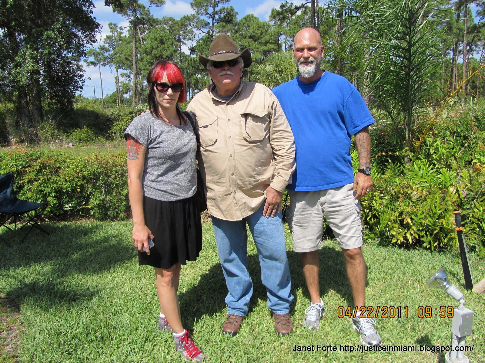 http://2.bp.blogspot.com/-UrNqfanDU8Y/TbNrfEDosEI/AAAAAAAADlk/zVxzN7lIkOA/s1600/JFHoadleyCarrillo.JPG