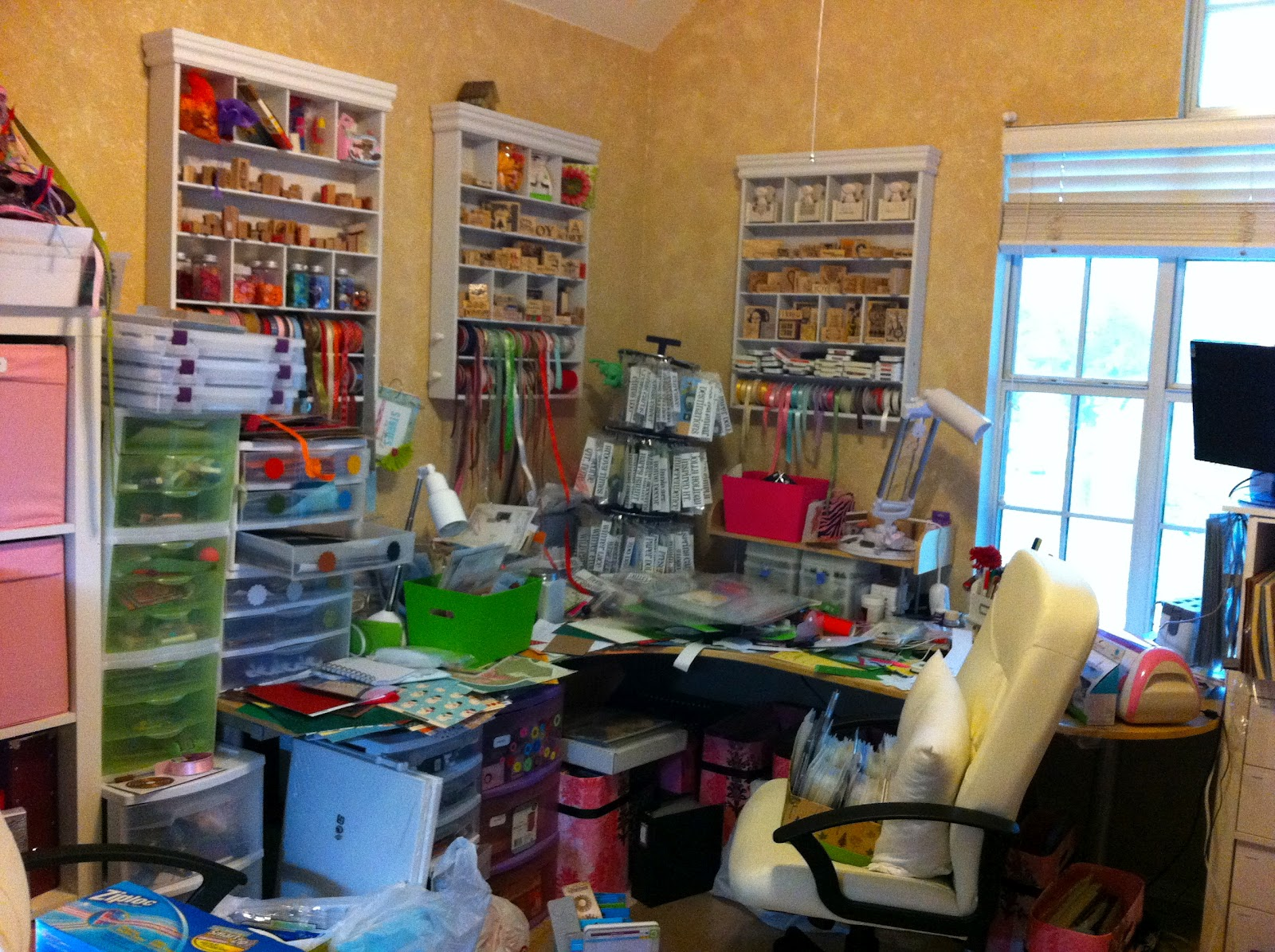 Obsessed with scrapbooking: check out my craft scrapbook studio!
