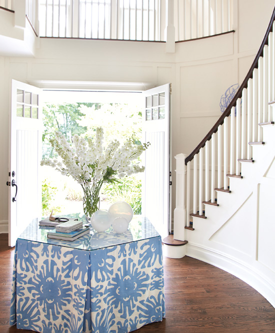 Beach House Foyer Table : Mix and chic home tour a beach house in the hamptons