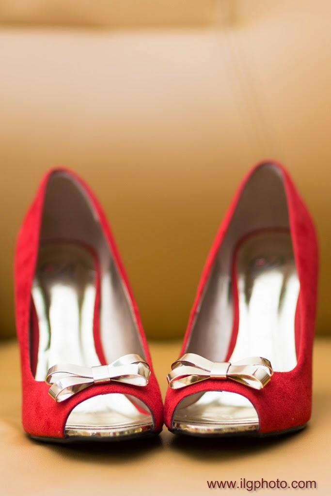 chaussures rouges de la mariée