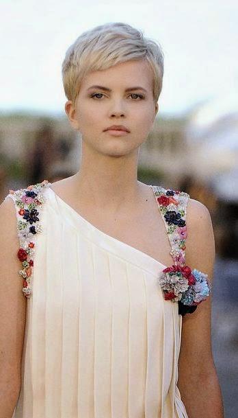 Korte Kapsels Voor Krullend Haar - Kort Krullend Haar op Pinterest Korte Krullende Kapsels