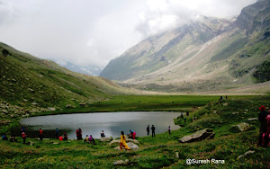 ALPINE LAKE BARNAZ IN PADDAR VALLEY