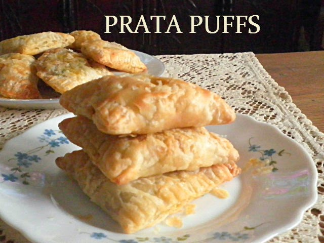 Prata Puffs Recipe @ http://treatntrick.blogspot.com