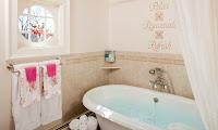 Abner Adams House, Nana's Nook balneotherapy Bath tub