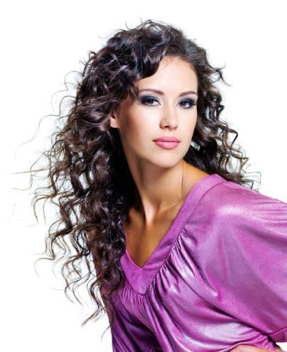 هل انتى جذابة..تعرفى على مقدار جاذبيتك من خلال هذا الاختبار - wavy-hair-woman -very beautiful woman girl