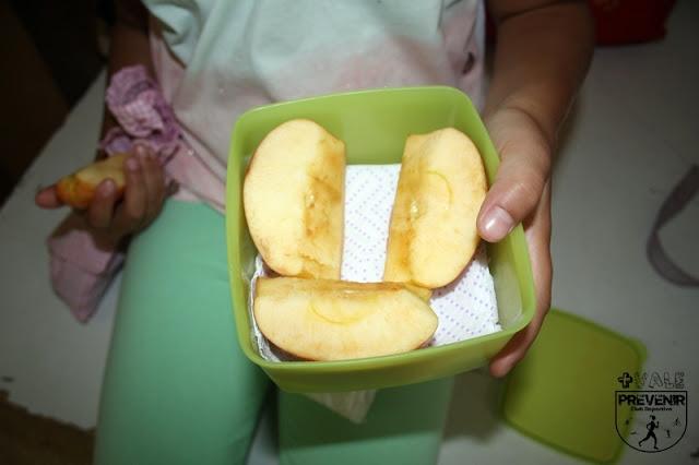 desayuno niño escuela manzana