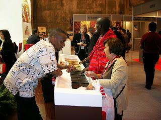 Stand de Kenya, Fitur, Feria intenacional de turismo, Madrid, La vuelta al mundo de Asun y Ricardo, round the world, mundoporlibre.com