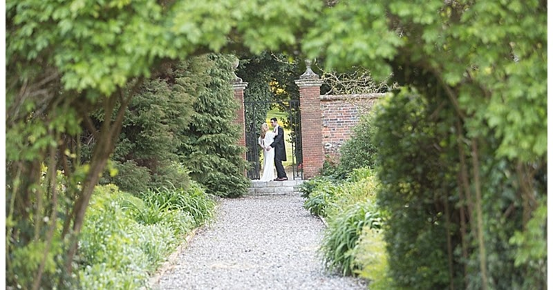 A Secret Garden Wedding With A Woodland Amp Travel Theme