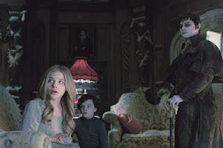 dark shadows-chloe grace moretz-gullivar mcgrath-johnny depp