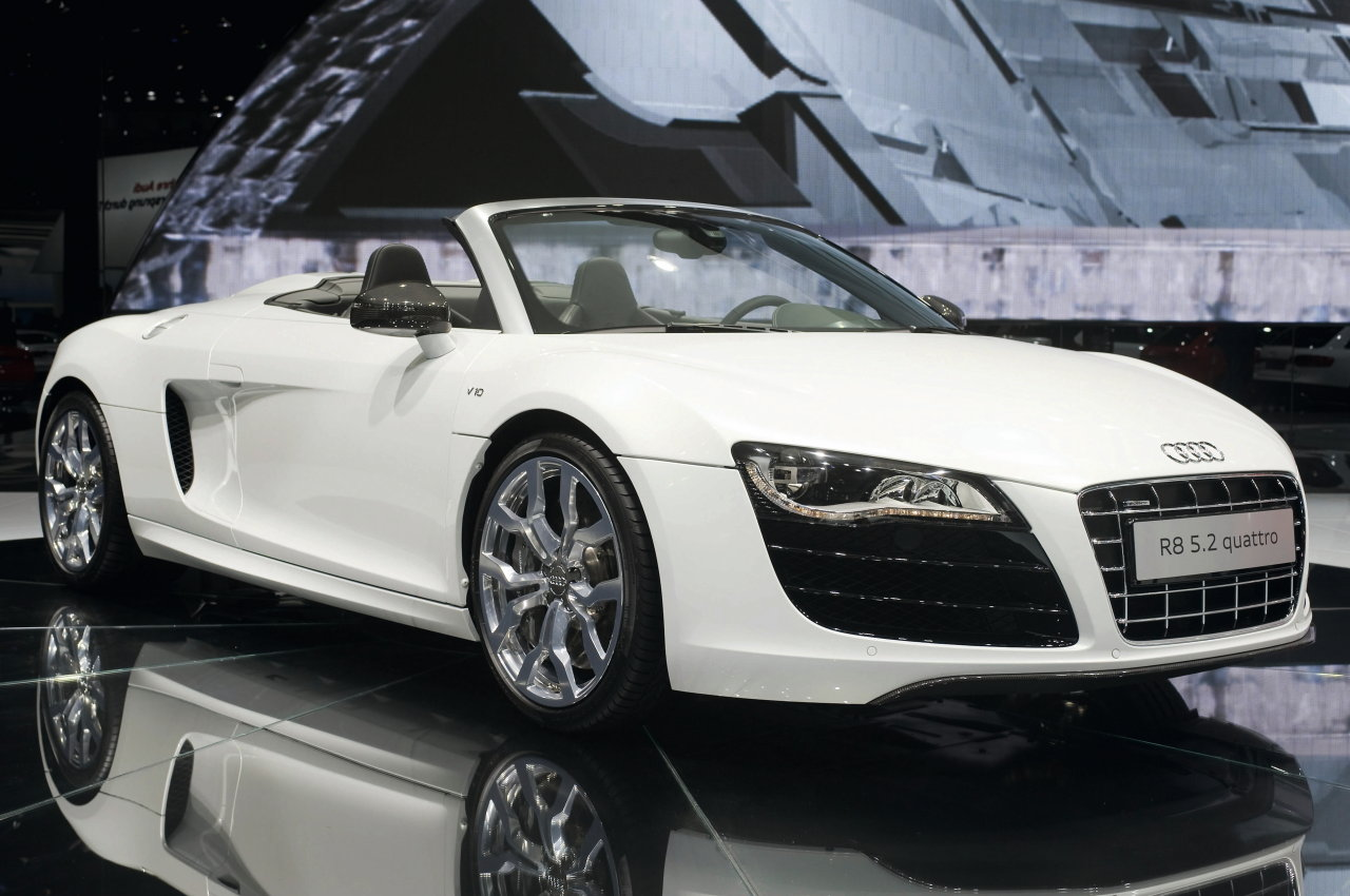 carzdotcom audi r8 2011 pictures. Black Bedroom Furniture Sets. Home Design Ideas