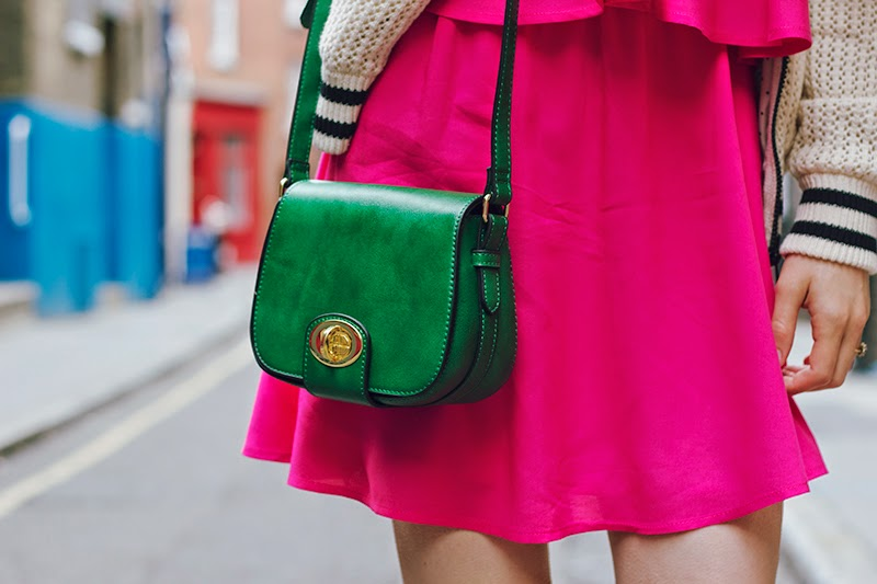 green bag pink dress uk fashion blogger