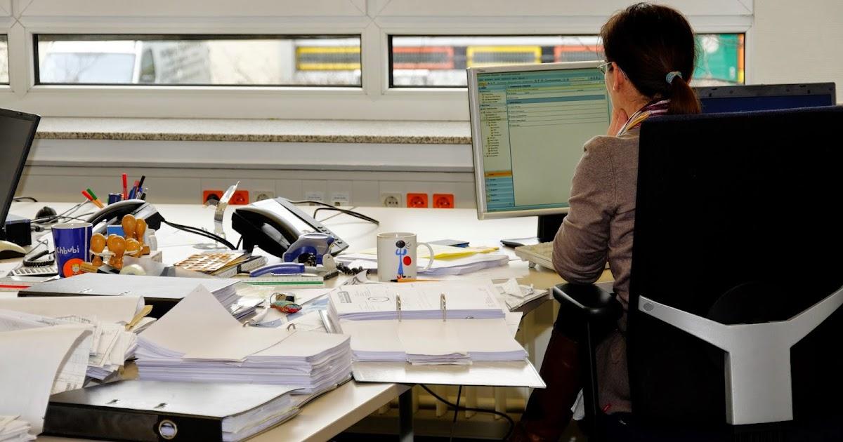 Ordnung oder chaos auf dem schreibtisch beides hat for Schreibtisch chaos