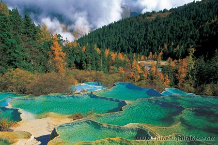 World Beautifull Places: The limestone basins at Huanglong ...