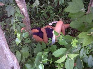foto borracha desnuda:
