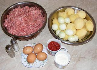 ingrediente necedare pentru a prepara musaca de cartofi cu carne, retete culinare, cum se face musaca, cum se prepara musaca, retete de mancare,