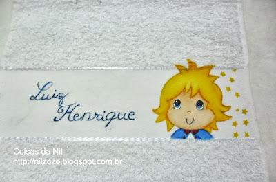 toalha de boca com pintura do pequeno principe