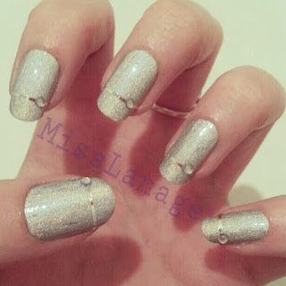 31-day-challenge-silver-manicure