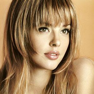 Coiffures et Coiffures: Modèle de coiffure de cheveux châtain avec ...