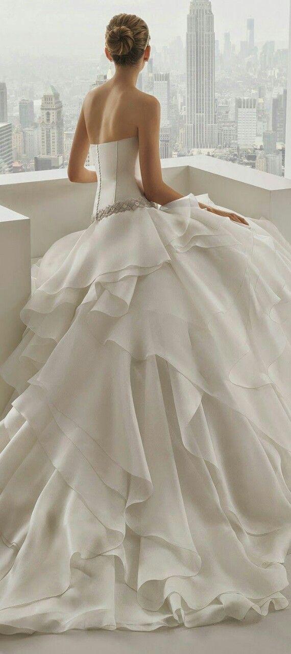 Beautiful bridal ruffled wedding gowns for Spanish wedding dress designer