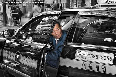 Busy taximan in Seoul old town - Photo by Ben Heine