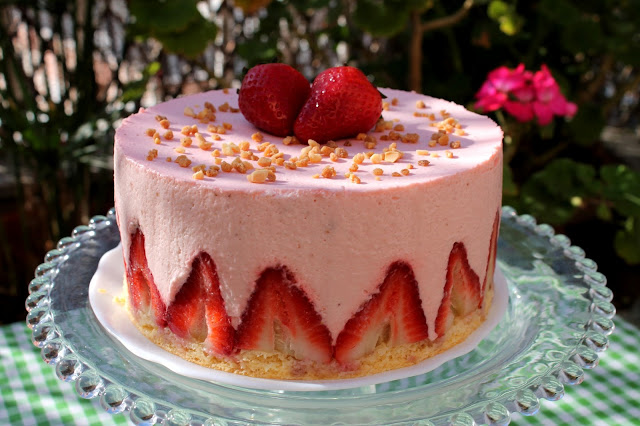 Tarta mousse de fresas sin lactosa