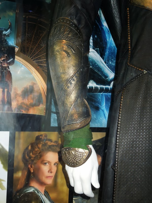 Armoured sleeve Loki costume Thor Dark World
